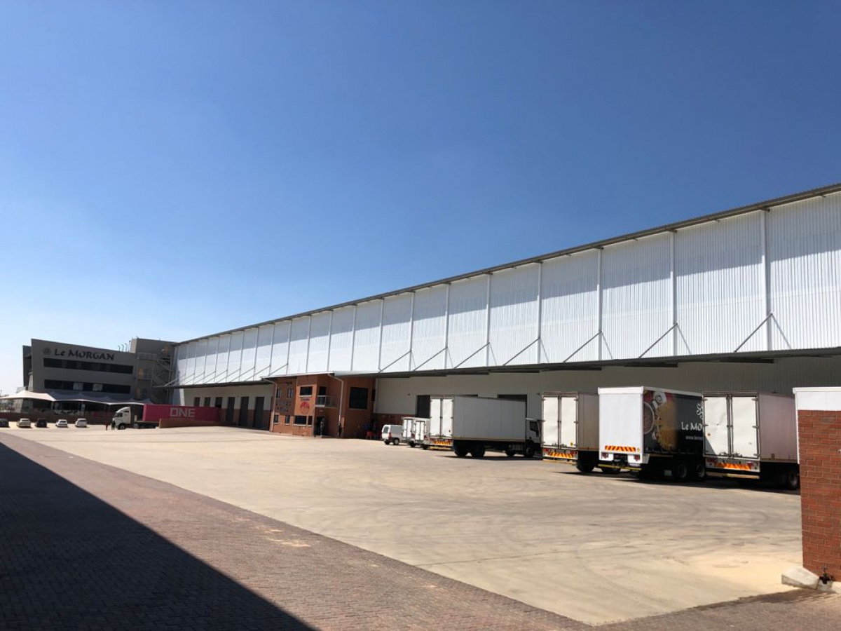 Large A Grade Logistics Warehouses/Showrooms with  Yard for Development