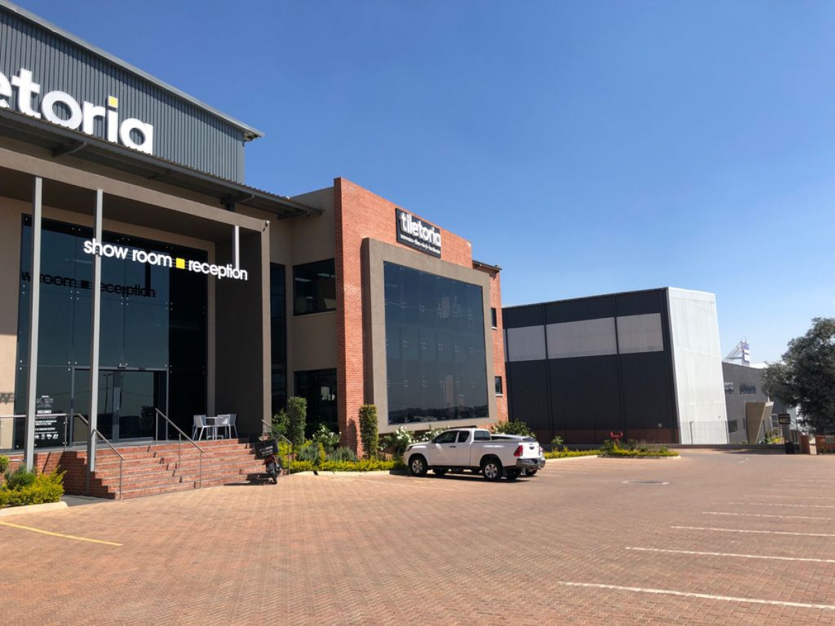 Large A Grade Showrooms with  Yard for Development