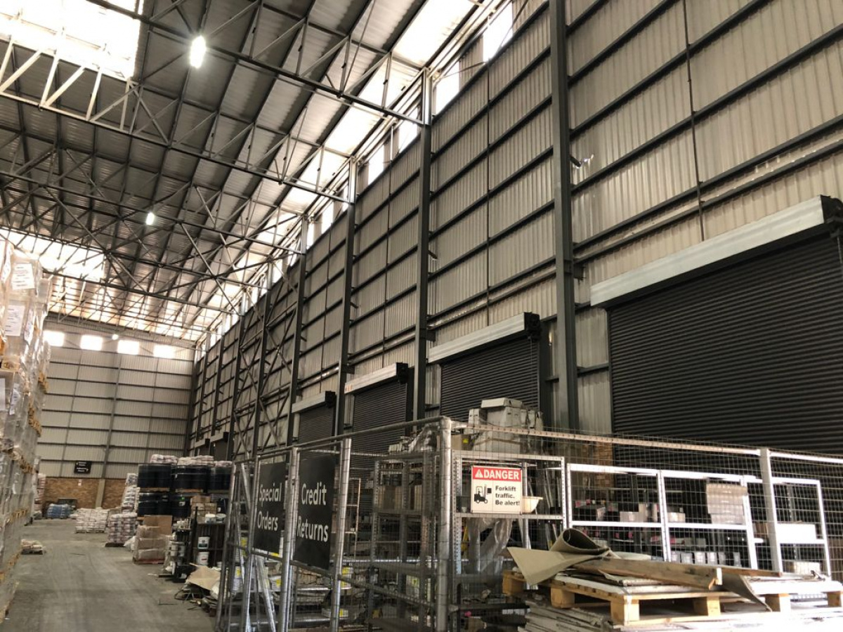 warehouse to rent with large yard