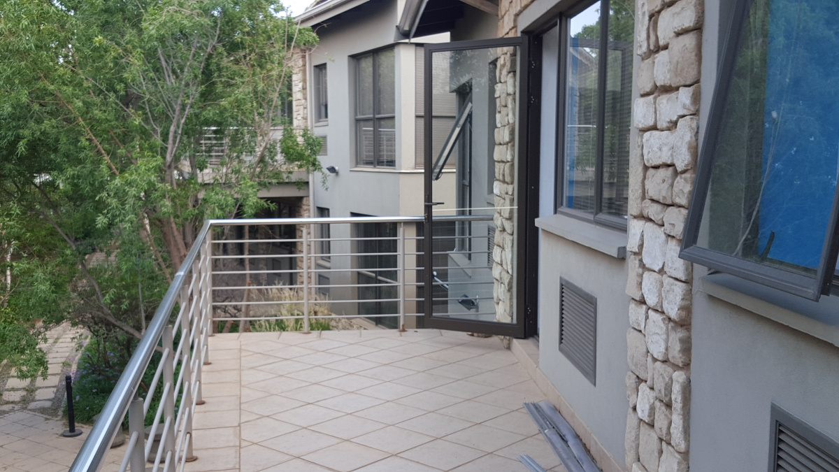 276 George Road Noordwyk Midrand Gauteng 1685, ,Office,To Let,George Road,1220